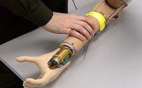 La interfaz permite mejorar el control sobre la mano protésica