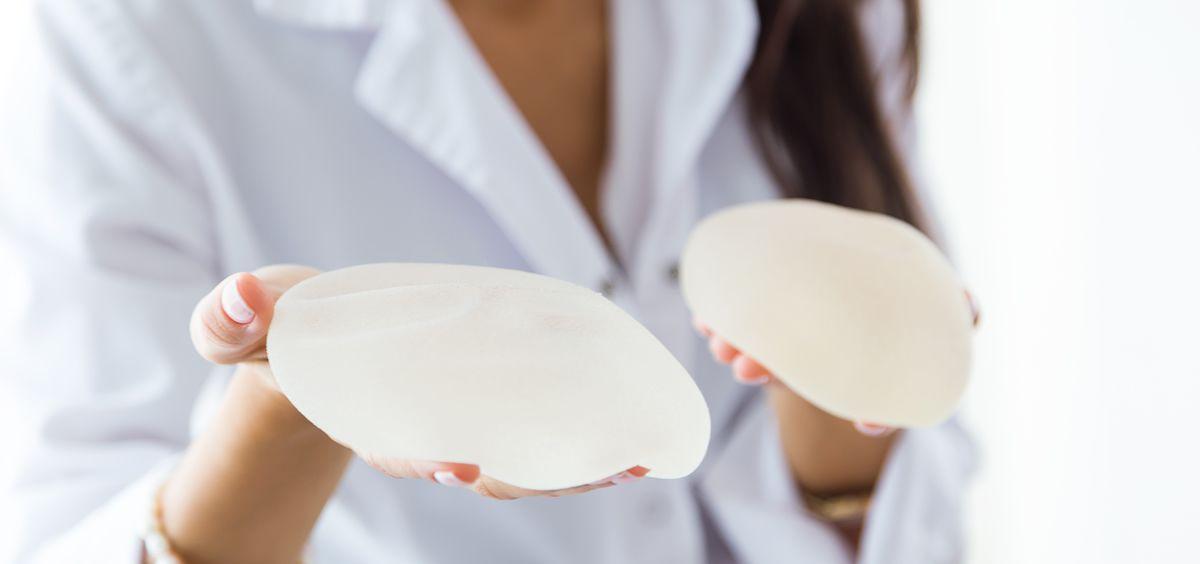 Francia retira varios implantes mamarios por su riesgo de generar cáncer