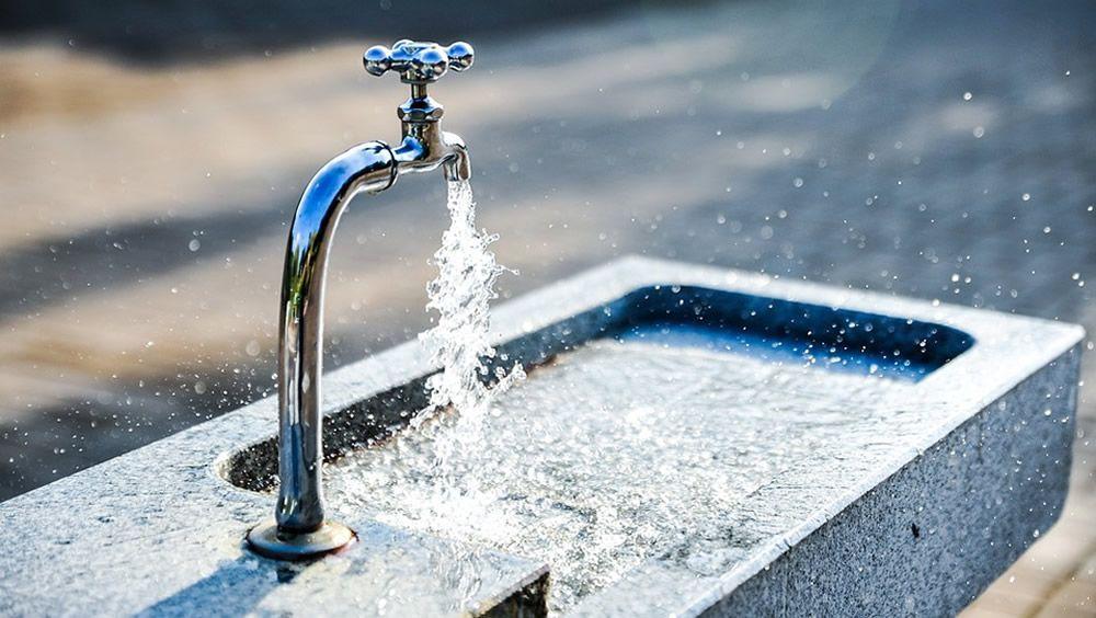 El agua contaminada mata a 14 personas al día en Europa