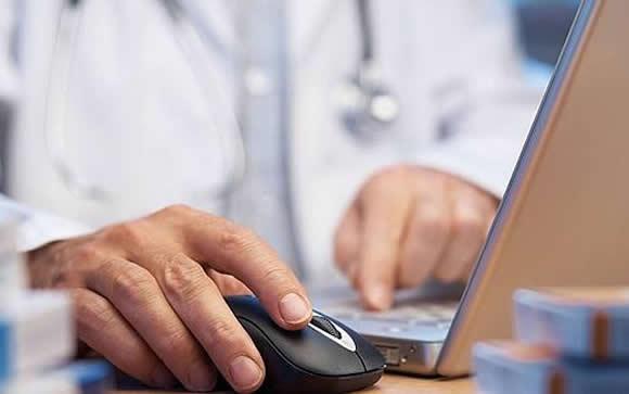 Un software permite a los médicos alertar de posibles agresiones desde su ordenador