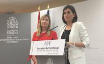Patricia Gómez, consejera de Baleares, junto a Carmen Montón, titular de Sanidad valenciana
