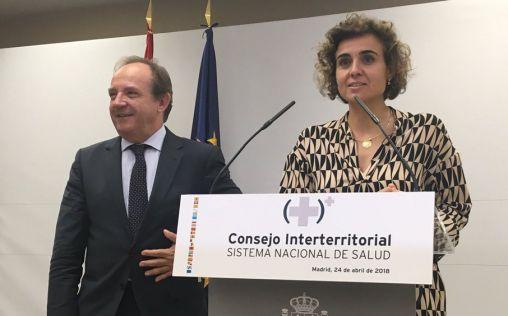 """Montserrat retomará el """"diálogo"""" por la universalidad, sin derogar el RD 16/2012"""