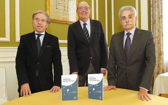 De izq. a dcha.: Isidoro Bruna, Juan Carlos Aguilera y el doctor Buenaventura Coroleu.