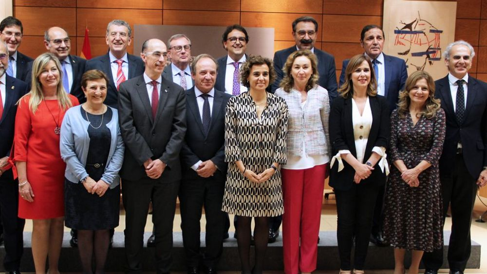 El pleno del Consejo Interterritorial sobre financiación, previsto para el lunes, no ha sido convocado tras la salida de Montserrat de Sanidad.