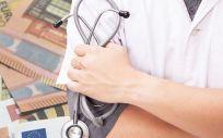 Un profesional sanitario en Suiza percibe, de media, 4.700 euros al mes