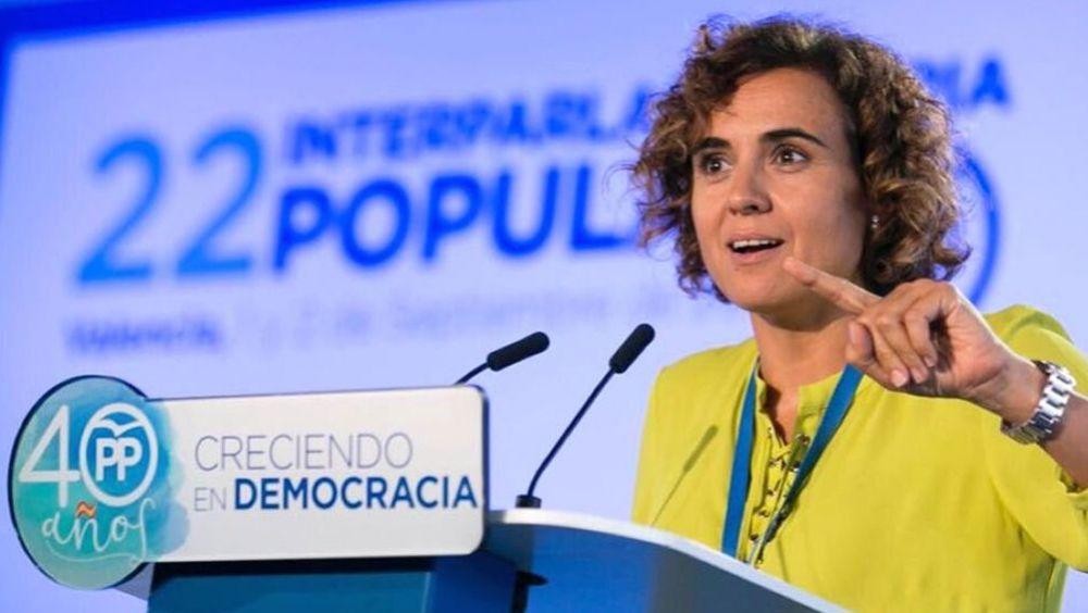 La ministra de Sanidad, Dolors Montserrat, apuesta por los cuidados paliativos y la muerte digna en vez de la eutanasia.
