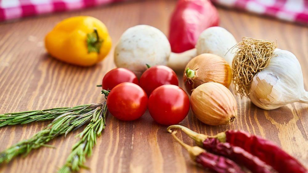 Una dieta saludable puede prevenir hasta un 40% el cáncer de colon distal