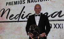El doctor Javier Flandes, de la Fundación Jiménez Díaz, premiado por su labor profesional