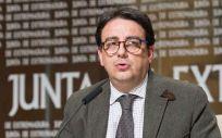 José María Vergeles, consejero de Sanidad de Extremadura. anunció en 2016 la puesta en marcha de un primer protocolo de actuación sanitaria en violencia de género