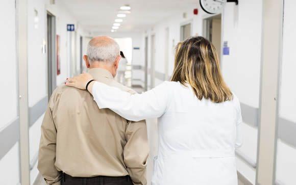 De las 390.000 muertes anuales, 242.000 requieren de atención paliativa
