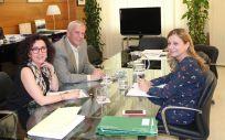 María Isabel Baena, José Sánchez Gámez y Marina Álvarez han mantenido un encuentro en el que han analizado la situación actual de la sanidad en Andalucía