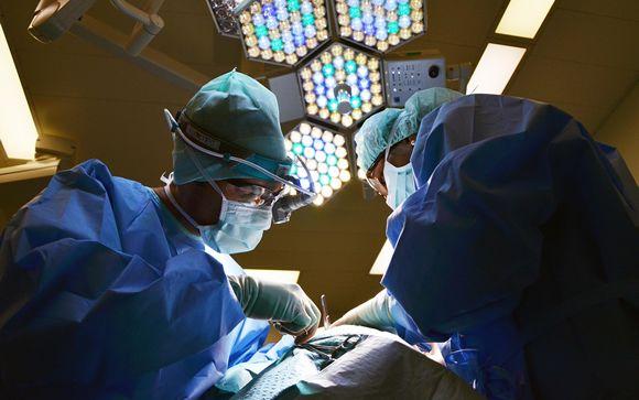 La reconstrucción mamaria, a la cola, por la falta de cirujanos plásticos en hospitales