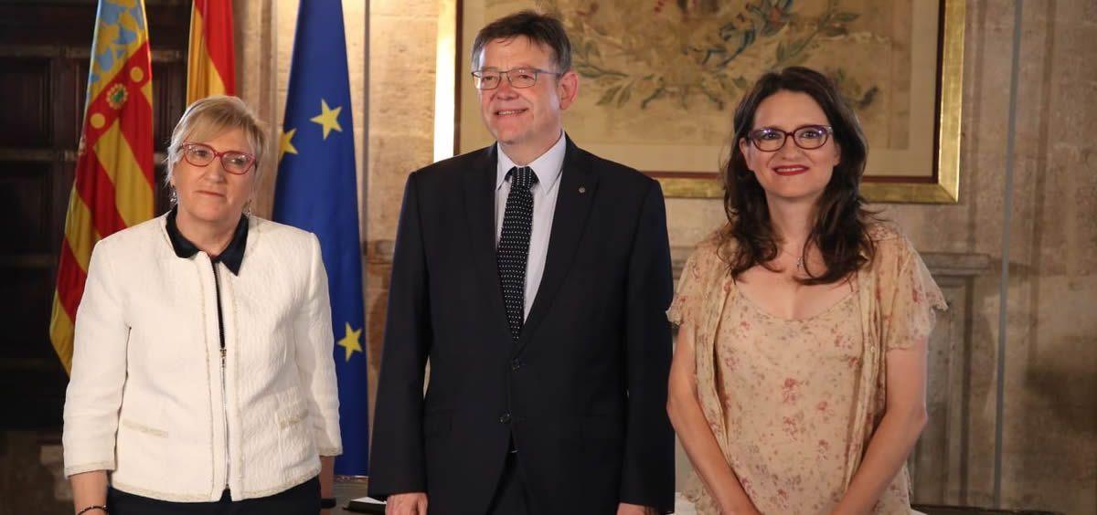 De izquierda a derecha: Ana Barceló, Ximo Puig y Mónica Oltra, durante la toma de posesión de la nueva titular de Sanidad de la Comunidad Valenciana