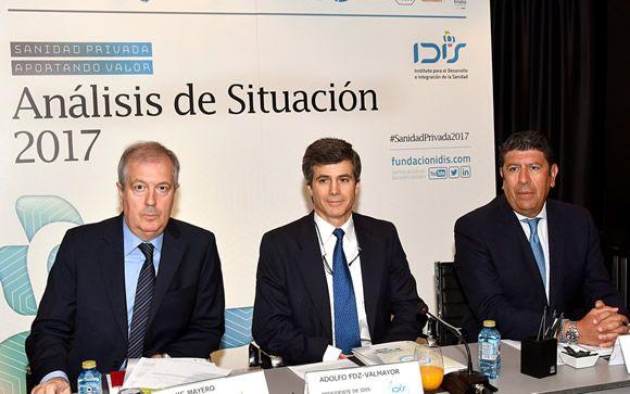 De izq. a dcha: Luis Mayero, Adolfo Fernández-Valmayor y Manuel Vilches, este miércoles en Madrid