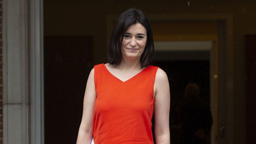 Carmen Montón, ministra de Sanidad, asistiendo a su primer Consejo de Ministros.