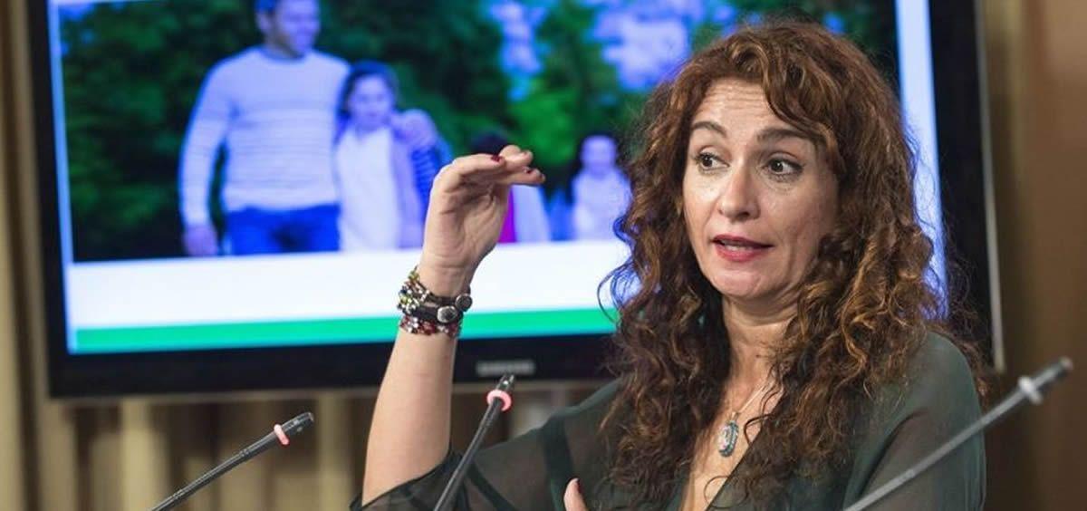Montero defiende la tramitación de unos PGE sanitarios que no comparte