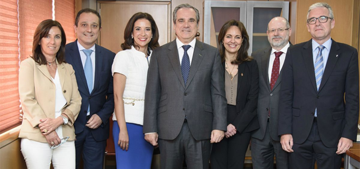 Aguilar y el resto del Comité Directivo toman posesión de su cargo en el Consejo General de Colegios Oficiales de Farmacéuticos