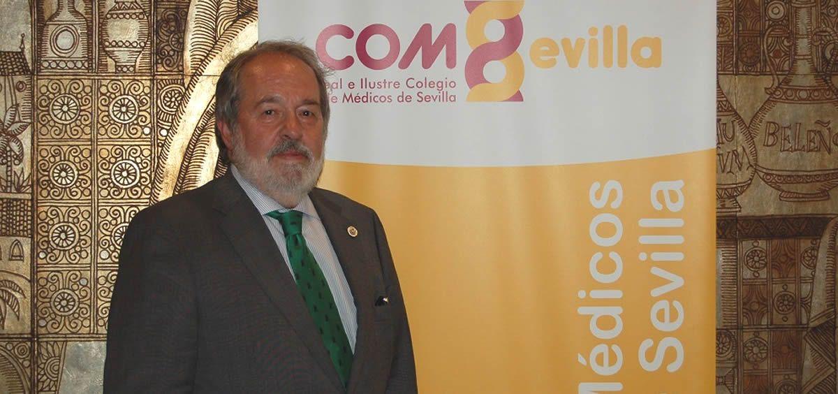 Alfonso Carmona Martínez, nuevo presidente de los médicos sevillanos