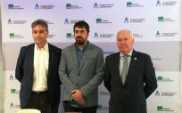 De izquierda a derecha: Manuel Cascos, David Álvarez y Florentino Pérez Raya, este jueves en Madrid, han explicado el posicionamiento de Enfermería