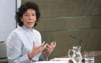 La portavoz del Gobierno, Isabel Celaá, ha anunciado que el Gobierno trabaja ya en devolver la universalidad de la asistencia sanitaria.