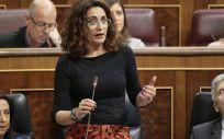 Montero contesta sobre la reducción del IVA a los productos de higiene íntima femenina