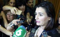 """Carmen Montón ha iniciado este miércoles el """"proceso dialogado"""" prometido por el Gobierno para restablecer la sanidad universal en España."""