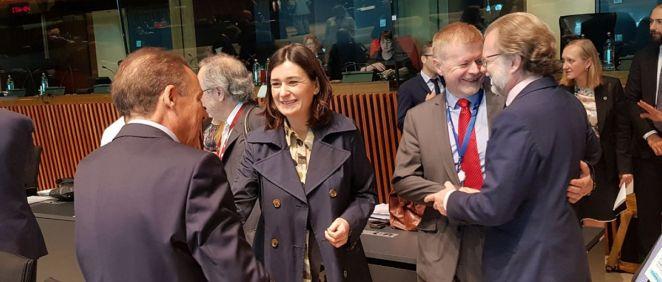 """La ministra de Sanidad, Carmen Montón, ha propuesto en el Consejo Europeo de Sanidad que se cree """"un Foro Europeo de debate abierto"""" sobre el futuro sanitario."""
