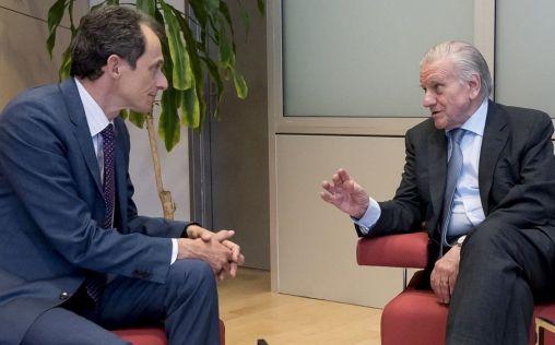 Duque plantea una comisión mixta entre Ciencia y Sanidad para avanzar en investigación