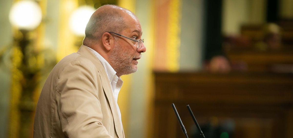 La propuesta de la formación naranja, defendida por Francisco Igea, sólo logra el apoyo del PP, Foro Asturias y UPN.