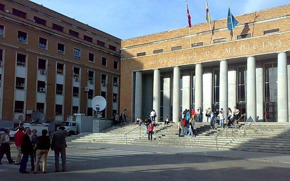 La Enfermería madrileña, en pie de guerra por la fusión de facultades en la Complutense
