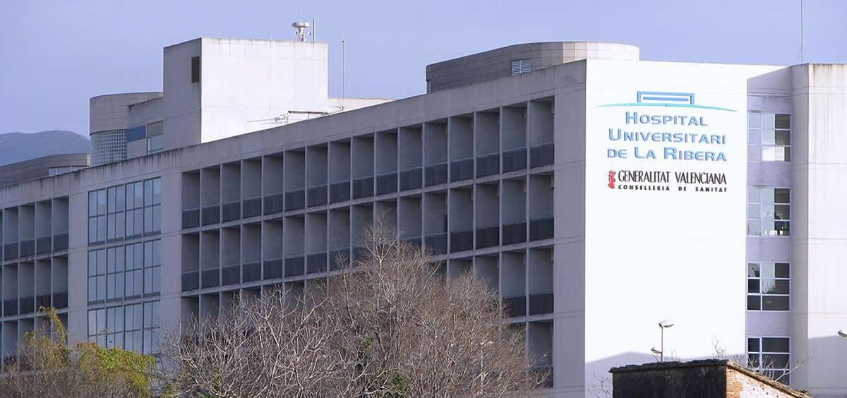 Fachada del Hospital Universitario de La Ribera, perteneciente a la Consejería de Sanidad de la Comunidad Valenciana