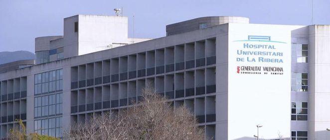 Fachada del Hospital Universitario de La Ribera