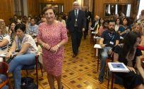 La consejera de Sanidad de Cantabria, María Luisa Real, a su llegada a la Universidad Internacional Menéndez Pelayo | Foto: Miguel de la Parra