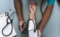 Estas son las cuatro CC.AA. con más empleo para médicos en España