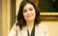 La ministra de Sanidad, Carmen Montón, ha avanzado en la Comisión de Sanidad que la universalidad beneficiará a 280.000 pacientes.