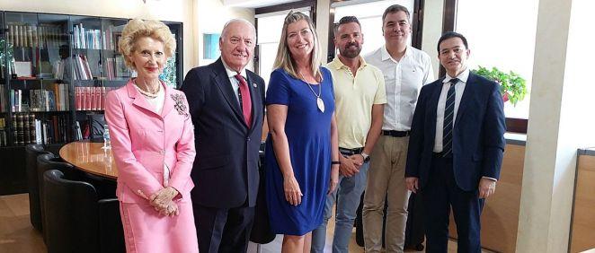 Patricia Gómez, consejera de Baleares, afronta los retos de Enfermería con Florentino Pérez Raya, presidente del CGE.