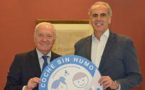Florentino Pérez Raya y Enrique Ruiz Escudero, durante su encuentro en la sede de la Consejería de Sanidad de la Comunidad de Madrid