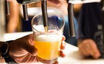 La sorprendente postura de un médico y miembro de la Sedca que fomenta el consumo de cerveza.