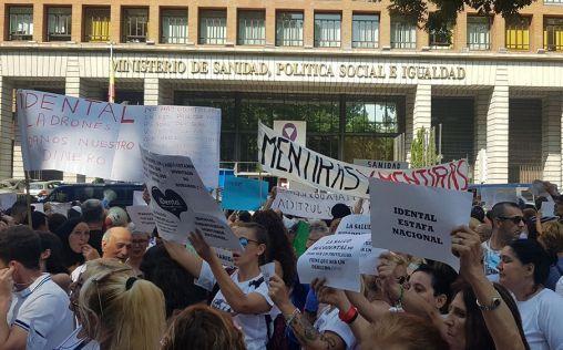 Cantabria busca dentistas solidarios para los afectados de iDental