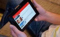 Youtube penaliza a un canal sobre pseudoterapias y prohíbe sus directos