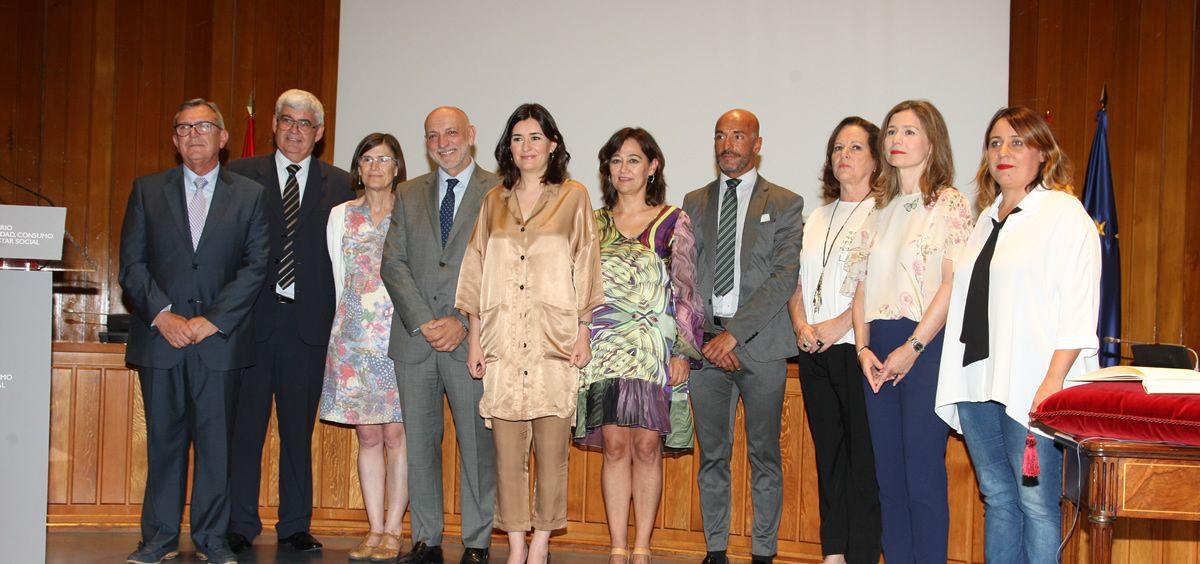 Carmen Montón, junto a los nuevos cargos de Sanidad que han tomado posesión