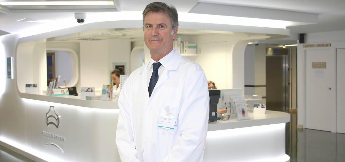 El neurólogo de Policlínica Gipuzkoa, Gurutz Lizanazasoro, da unos consejos para evitar los dolores de cabeza durante este verano.