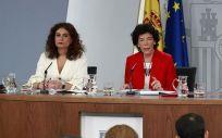 Las ministras de Hacienda, Educación y Economía, María Jesús Montero, Isabel Celaá y Nadia Calviño, tras un pasado Consejo de Ministros.