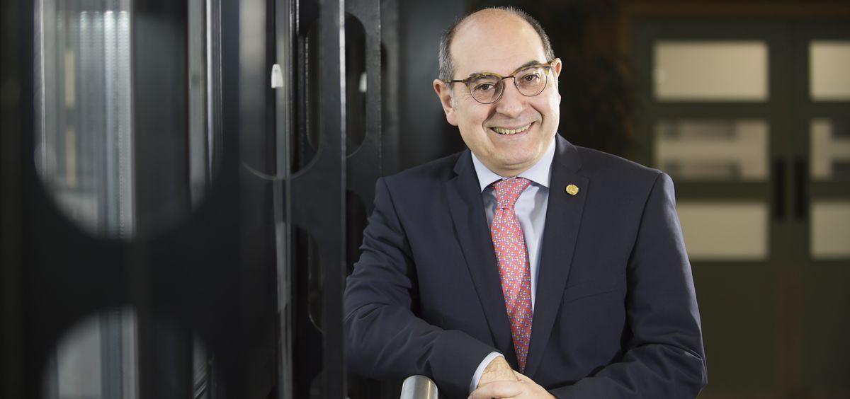 Jon Darpón, consejero de Salud del País Vasco
