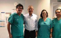 El Hospital de Toledo implanta un dispositivo para pacientes con enfermedad coronaria obstructiva