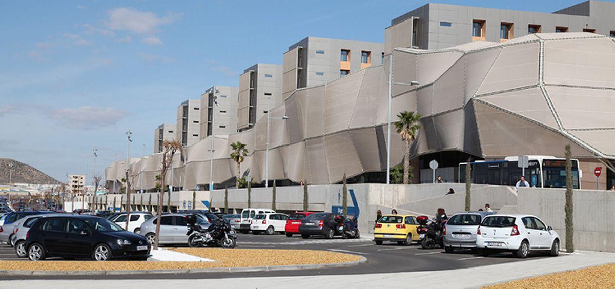 Fachada exterior del Hospital Santa Lucía de Cartagena.