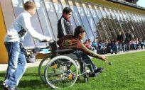 Los niños con Duchenne necesitan silla de ruedas alrededor de los 12 años