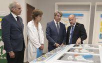 El consejero de Sanidad de la Comunidad de Madrid, Enrique Ruiz Escudero, y el presidente regional, Ángel Garrido, durante la presentación del proyecto de reforma del 12 de Octubre
