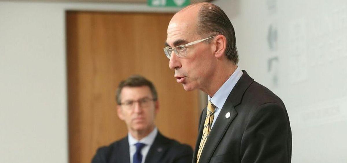 El consejero de Sanidad, Jesús Vázquez Almuiña y el presidente de la Xunta, Alberto Núñez Feijóo (Foto: Xunta de Galicia)
