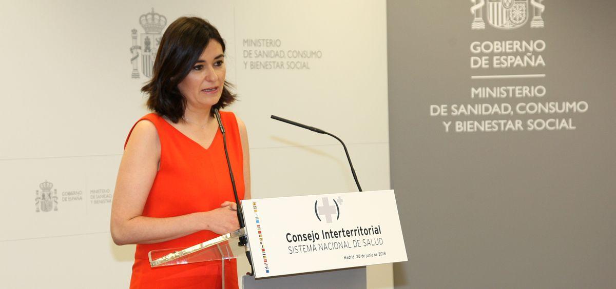 La ministra de Sanidad, Carmen Montón, explicando su propuesta de universalidad en el pasado Consejo Interterritorial.